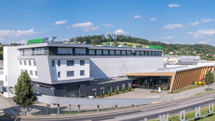 Le siège social de Pöttinger et l'usine de Grieskirchen récemment agrandie (©Pöttinger)
