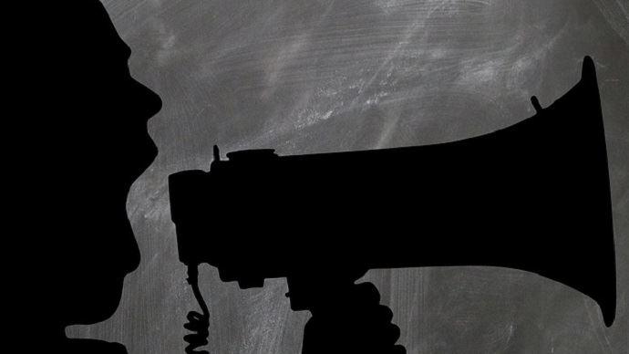 La communication de L214 s'appuie sur du contenu à fort impact (des images chocs), un rayonnement large et une négociation d'exclusivités avec les médias grand public. Agriculteurs, à vous de jouer! (©CC)