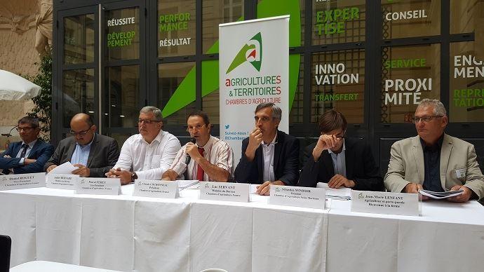 Claude Cochonneau, président de l'APCA, entouré de membres du bureau de l'APCA lors de la rentrée d'automne en septembre 2018. (©TNC)