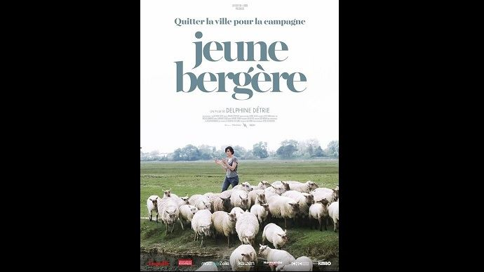 Stéphanie Maubé ne recule devant aucun obstacle pour mener à bien son projet: élever des moutons de pré salé dans le Cotentin. (©KMBO Production)