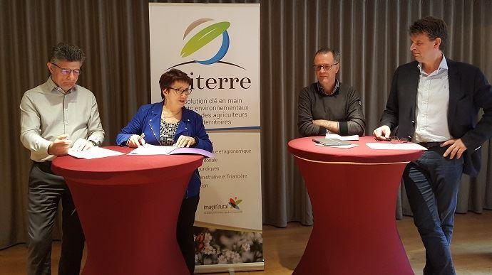 Henri Biès-Péré, Christiane Lambert, Henri Bonneau et Hervé Lapie ont présenté, jeudi 25 avril 2019, la démarche Epiterre, partenariat entre la FNSEA et le réseau Imagin'Rural. (©TNC)