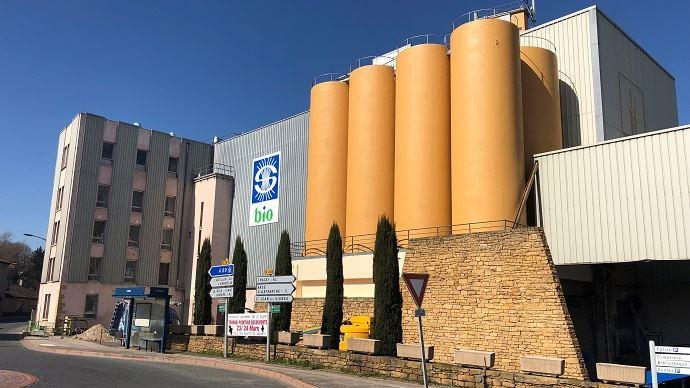 En investissant 2,25 millions d'euros pour la reconstruction du moulin bio de Lozanne, Soufflet accompagne l'essor du bio français. (©Soufflet)