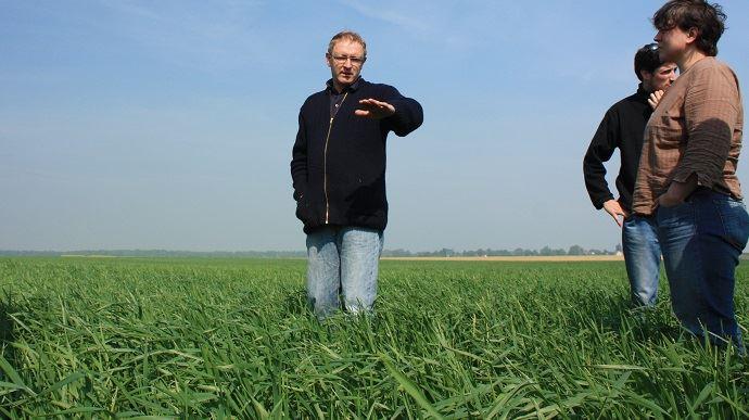 Tour de plaine organisé par l'association Agriculture biologique en Picardie (ici en 2011). (©TNC)