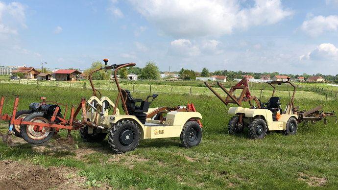 L'Alpo Basic permet de réaliser toutes les opérations culturales et peut être le valet de ferme ou le tracteur principal selon l'exploitation. L'Alpo 4X4 capable de s'adapter à tous les projets agricoles. (©Marie Renaud)