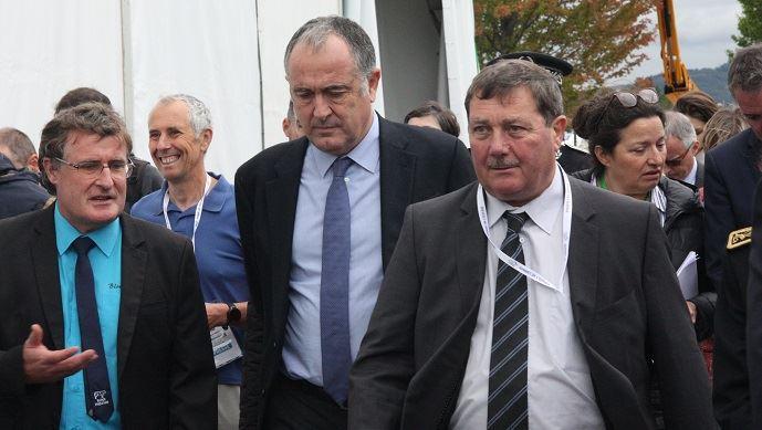 Didier Guillaume, ministre de l'agriculture, ici aux côtés de Jacques Chazalet, président du salon, a inauguré le Sommet de l'élevage, mercredi 2 octobre 2019. (©TNC)