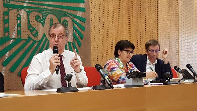 Richard Girardot, président de l'Ania, a présenté les recommandations du trio Ania-FNSEA-Coop de France, mardi 1er octobre 2019, aux côtés de Christiane Lambert et Dominique Chargé. (©TNC)