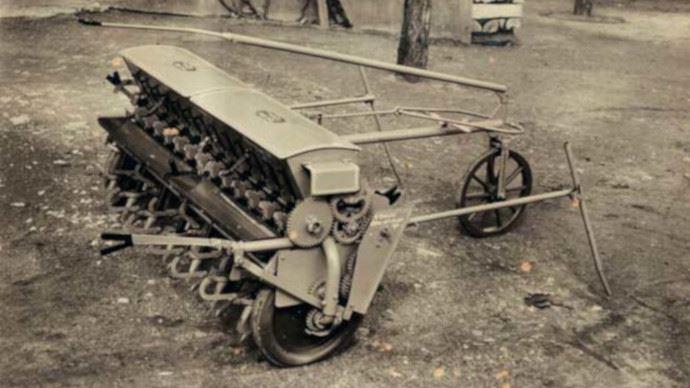 En 1947, Heinrich Dreyer lançait son premier semoir Amazone D1 de 2m de largeur de travail. (©Amazone)