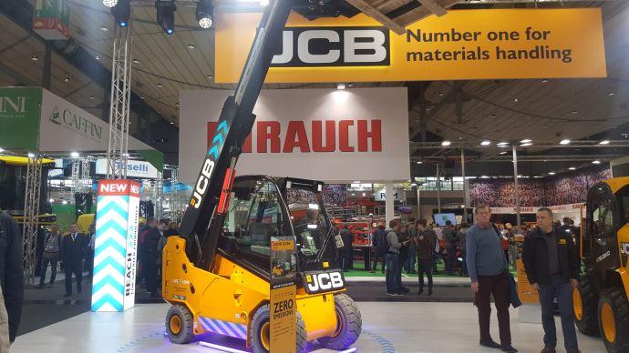 JCB lance deux modèles de chariots télescopiques électriques capables de soulever 1,9t à 3m et 2,2t à 3,5t. (©TNC)