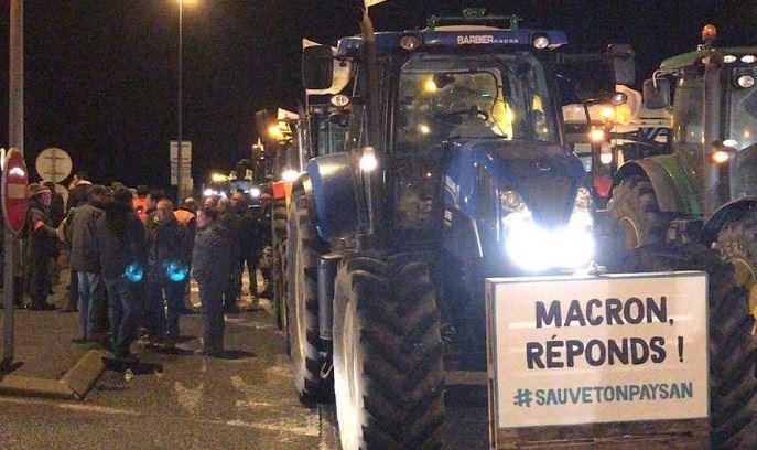 Les tracteurs sont en route pour Paris. (©Compte twitter JA Ile-de-France)
