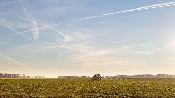 La suppression du glyphosate alourdira les charges des exploitations entre 50 et 150 euros l'hectare, selon le rapport. (©Nadège Petit@agri-zoom)