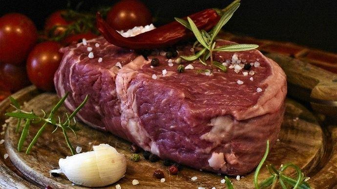 En 2018, un Français a consommé en moyenne 23,1 kgec de viande bovine, soit 2kg de moins qu'il a 10 ans. (©Pixabay)