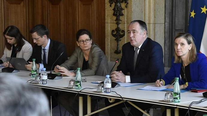Le ministre de l'agriculture et la secrétaire d'État auprès du ministre de l'économie ont réuni un comité de suivi des relations commerciales le 10 décembre. (©Min_Agriculture (Twitter))