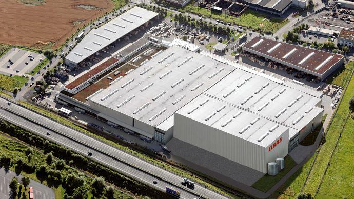 Le constructeur profite dorénavant de 11700m² supplémentaires, sur 30m de haut, pour stocker jusqu'à 58000 palettes. (©Claas)