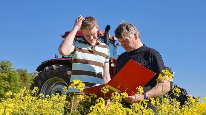 Les conditions à respecter pour bénéficier de la Dotation jeune agriculteur ainsi que les règles de déchéance en cas de non-respect des engagements ont été revues. (©Countrypixel, Fotolia)
