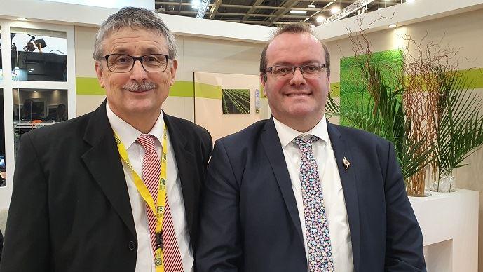 Pascal Cormery, président de la CCMSA avec Olivier Damaisin, député du Lot-et-Garonne, chargé d'une mission parlementaire sur le mal-être des agriculteurs. (©TNC)