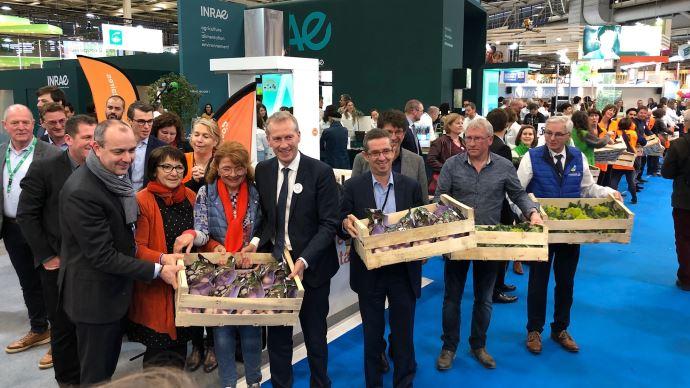Chaîne du don organisée par Solaal au salon de l'agriculture, en présence de Guillaume Garot. (©TNC)