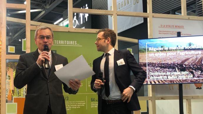 Emmanuel Hyest, président de la FNSafer, évoque les conséquences des dérives du marché sociétaire sur le modèle agricole français. (©TNC)