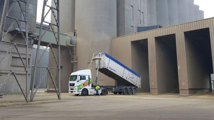 Dans ce contexte, les agrofournisseurs et organismes de stockage s'organisent, afin de limiter au maximum les contacts physiques, tout en assurant la continuité de leurs activités. (©TNC)