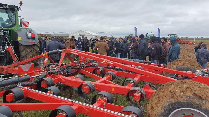 Pour sa première journée certifiée terrain, Innov-Agri a rassemblé une centaine d'agriculteurs. (©TNC)
