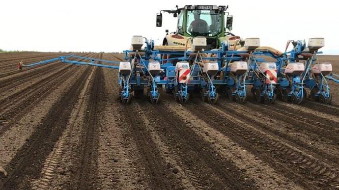 90% des maïsculteurs bretons se disent «satisfaits ou très satisfaits de la protection au semis avec Force 20 CS (10% de plus que les utilisateurs de micro-granulés) et plus de 95% des agriculteurs du Sud Aquitaine». (©Datagri)