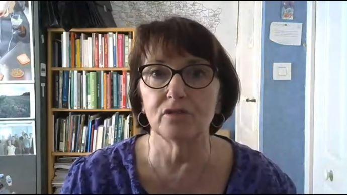 Dans une vidéo diffusée le 10 avril, la présidente de la FNSEA demande des mesures d'accompagnement pour les productions en difficulté à cause du Covid-19 (©capture d'écran Youtube)