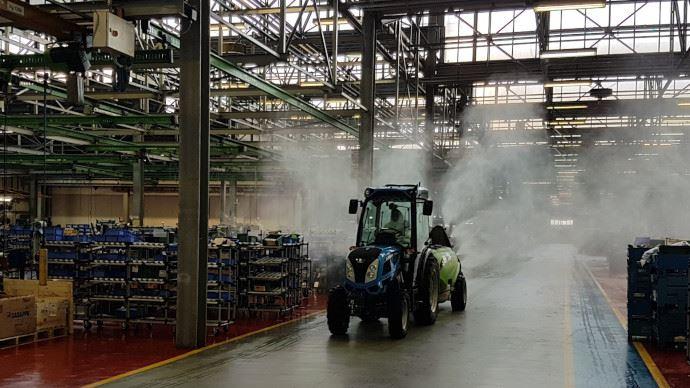 Argo Tractors a désinfecté ses usines pour être prêt à redémarrer dès que possible. (©Argo Tractors)