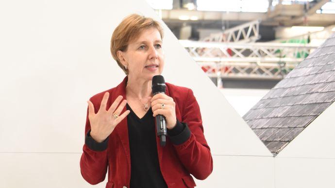 La députée européenne Anne Sander demande un plan de financement et de soutien important pour l'agriculture européenne. (©TNC)