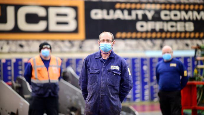 JCB redémarre la production à une faible cadence en respectant les consignes de sécurité. (©JCB)