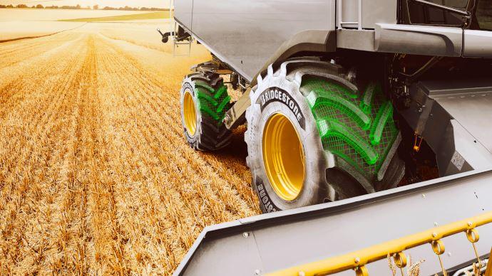 Quelques clés importantes pour déchiffrer la nomenclature des pneumatiques agricoles. (©Bridgestone)
