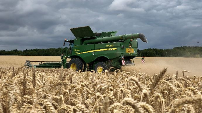 Une forte hétérogénéité pour la récolte française de blé tendre en 2020. (©@EloaneJh)