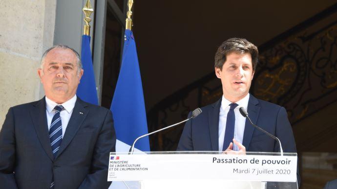 Julien Denormandie (à droite) est nommé ministre de l'agriculture à la place de Didier Guillaume (à gauche).(©TNC)