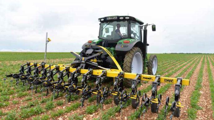 Phenix Agrosystem est une nouvelle marque d'outils de désherbage mécanique
