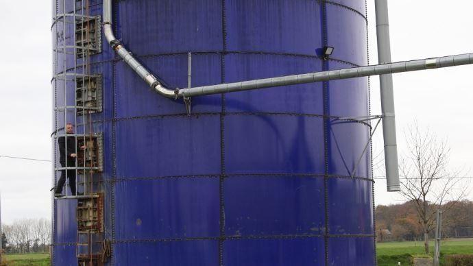 Pour stocker son maïs ensilage, le Gaec des Mezerais (22) a opté pour un silo tour de 1200m3. (©TNC)