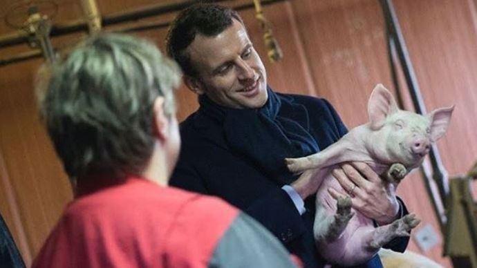 À défaut de salon de l'agriculture, Emmanuel Macron, s'est rendu en Côte d'Or à la ferme d'Étaules (©TNC)