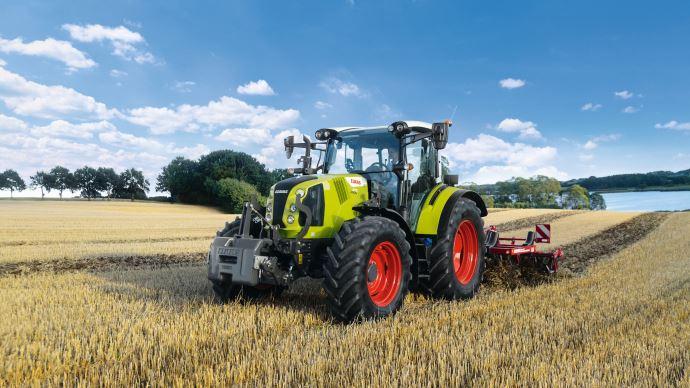 La quatrième génération du tracteur Claas Arion 400 a presque tout de ses grands frères les Axion. (©Claas)