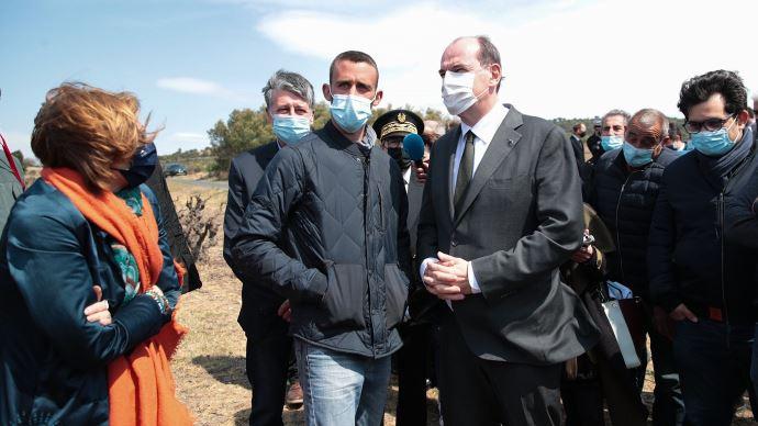 Après sa visite, ici, dans les Pyrénées-Orientales le 17 avril auprès des arboriculteurs et viticulteurs impactés par le gel, Jean Castex se déplace à nouveau sur un sujet agricole, celui de la revalorisation des retraites agricoles. (©Gouvernement.fr)