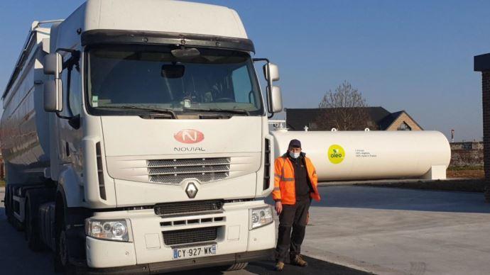Novial convertit sa flotte de camions au carburant Oleo 100, d'origine végétale exclusivement. (©Novial)
