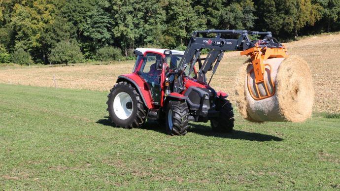 Gabarit, poids, visibilité en cabine, confort... : attention à bien vérifier tous les critères avant l'achat d'un tracteur. Pour le choix ensuite, tout dépend des tâches qu'il effectuera. (©TNC)