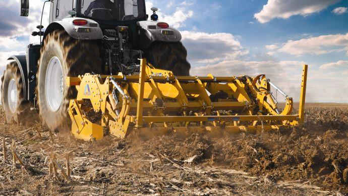Le décompacteur K-Evo d'Alpego correspond aux tracteurs jusqu'à 220ch de puissance. (©Alpego)
