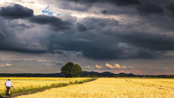 Un mois de juin coupé en deux, à moitié estival et pourtant très pluvieux. (©Pixabay)