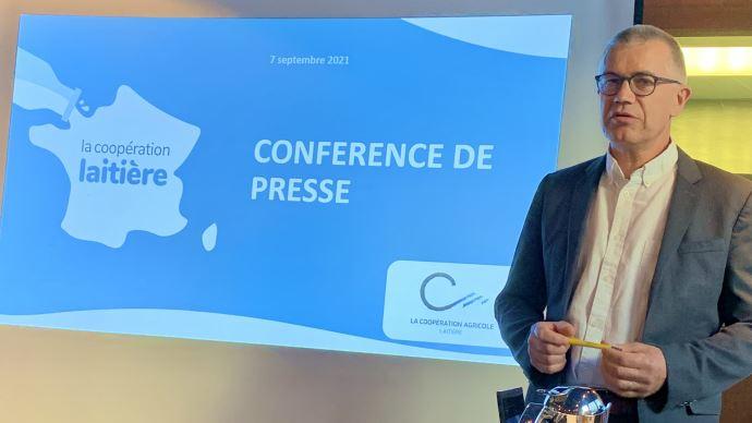 Damien Lacombe lors de la conférence de presse de rentrée de la Coopération laitière. (©TNC)