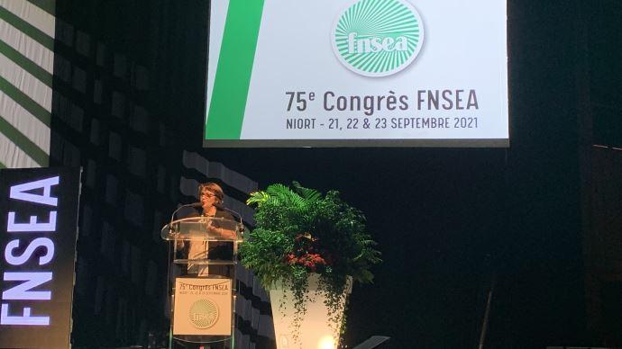 La FNSEA a consacré une partie de son congrès aux ruralités, le 22 septembre, à Niort. (©TNC)