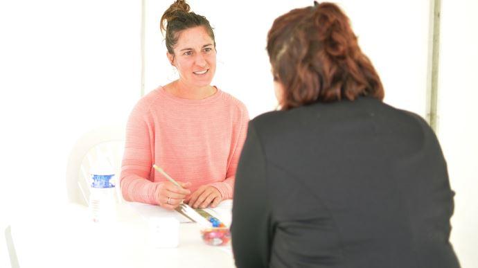 L'originalité du job dating: les entreprise ne voient le CV du candidat que le jour de l'entretien. (©TNC)